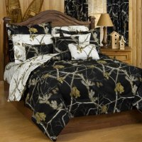 Realtree AP Black and White Camo Reversible Comforter-Set