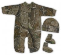 Realtree Baby Set Camo Long Sleeve Creeper Hat and Booties 3 pc