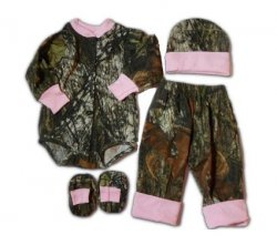 Mossy Oak & Pink Camo Baby LS Bodysuit, Pants, Hat & Booties