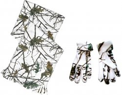 Women's Camo Scarf and Gloves Set in Snow Forest